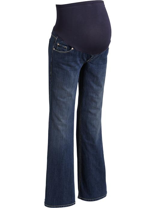 Old Navy has a collection of long maternity jeans that provides a stylish look and a comfortable fit. Choose from long maternity jeans in a wide selection of fabulous styles and colors.